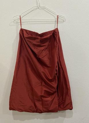 Красная юбка cos