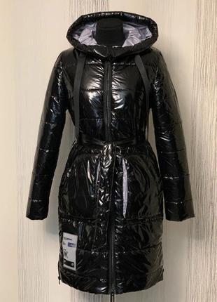 Пальто, пуховик,с поясом и капюшоном, размер 46.