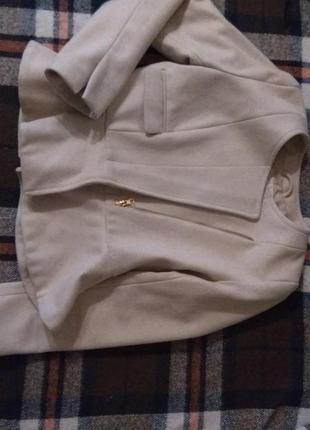 Пиджак/жакет с баской тёплый кремового цвета  s