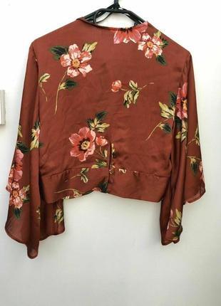 Укороченная шелковая атласная блузка с клешенными рукавами/топ/рубашка/блуза3 фото
