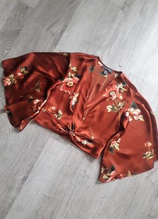 Укороченная шелковая атласная блузка с клешенными рукавами/топ/рубашка/блуза5 фото