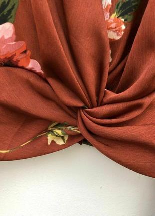 Укороченная шелковая атласная блузка с клешенными рукавами/топ/рубашка/блуза2 фото