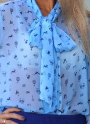 Стильная  блузка небесно голубого цвета с бантом, воротник-бант