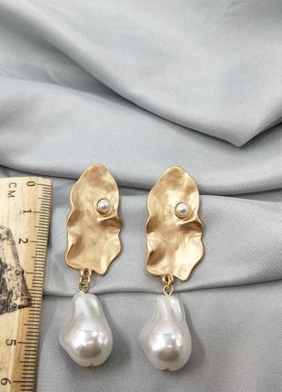Серьги барочные с жемчугом модная бижутерия