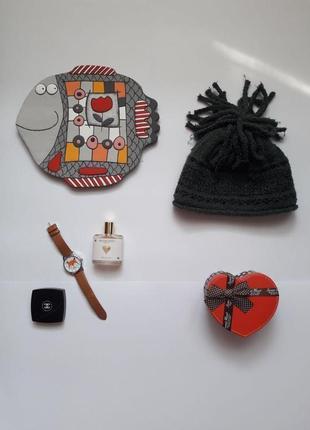 Ефектна красива зимова шапка zara