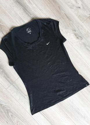 Классная качественная универсальная футболка от nike оригинал
