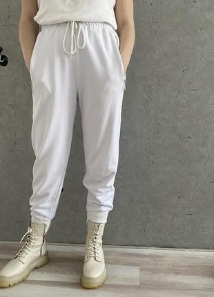 Спортивные штаны на манжетах ,джогеры