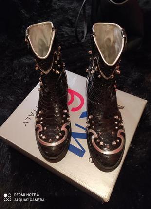 Супер ботинки-казаки бренда montepare италия! срочно!