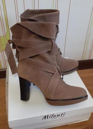 Натуральные замшевые сапоги,ботинки unisa. испанский бренд.