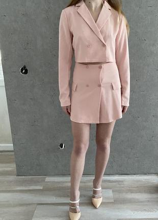 Новый брючный костюм ,укорочённый пиджак ,юбка
