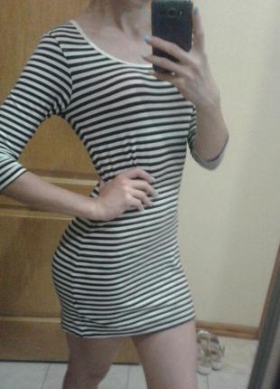 Платье в полоску, короткое трикотажное платье