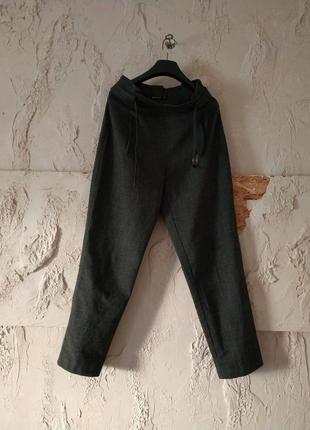 Стильные брюки stradivarius