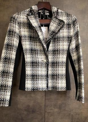 Пиджак в клетку с небольшим люрексом куплена в италии !