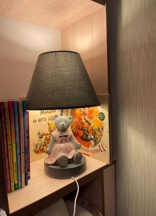Настольный светильник в детскую комнату