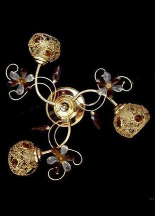 Люстра с ажурными плафонами на 3 лампы