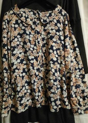 Легкая блуза с рисунком, свободного кроя