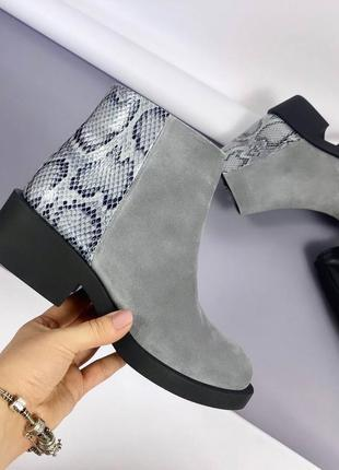 Короткие деми ботинки на низком каблуке, натуральная замша,в наличии и под заказ