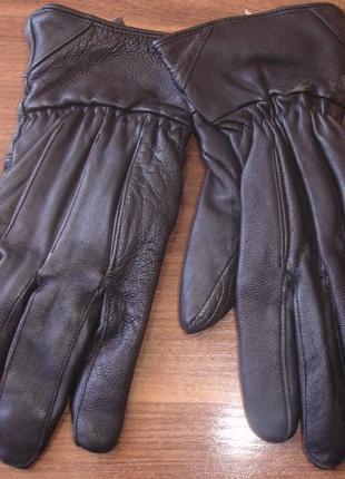 Кожаные мужские перчатки на флисе отличные