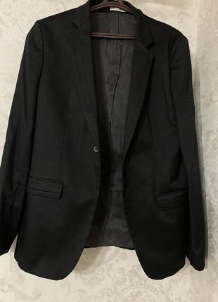 Чёрный пиджак
