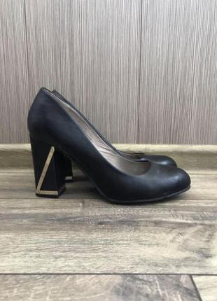 Туфли на удобном каблуке 25,5 см по стельке