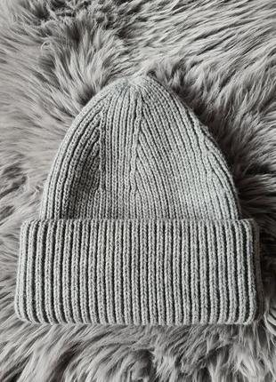 Женская шапка бини с отворотом   zara