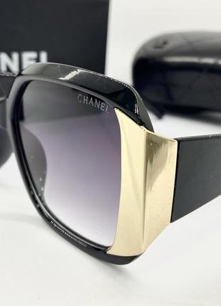 Chanel очки женские солнцезащитные черные квадраты с золотистыми вставками