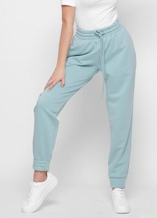 Женские спортивные брюки свободного фасона разные цвета