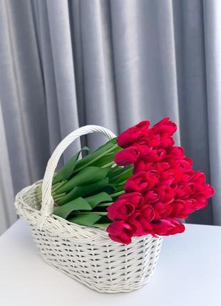 Штучні тюльпани