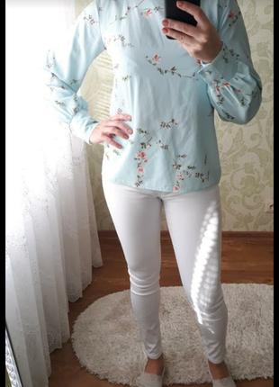 Белые джинсы1 фото
