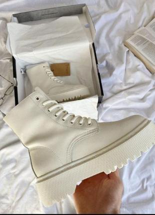 Женские зимние ботинки dr. martens jadon white cream2 фото