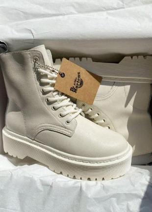 Женские зимние ботинки dr. martens jadon white cream3 фото