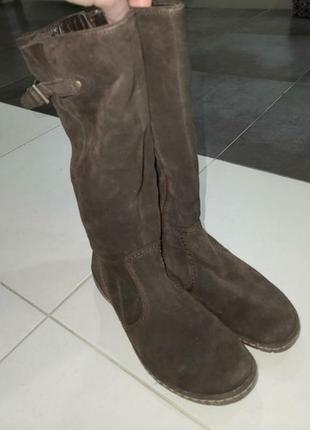 Жіночі натуральні замшеві чоботи в ідеальному стані.2 фото