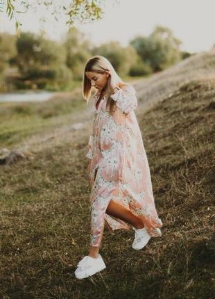 Стильное новое платье фасон рабашка, розовое на пуговках, миди с разрезами1 фото