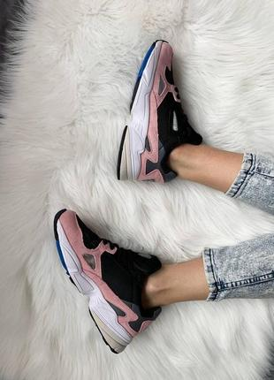 Женские стильные весенние кроссовки adidas falcon pink8 фото
