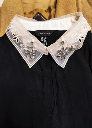New look платье чёрное прямое трапеция с белым воротником с жемчугом классическое7 фото