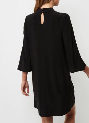 River island платье чёрное с вышивкой красные цветы трапеция прямое оверсайз4 фото