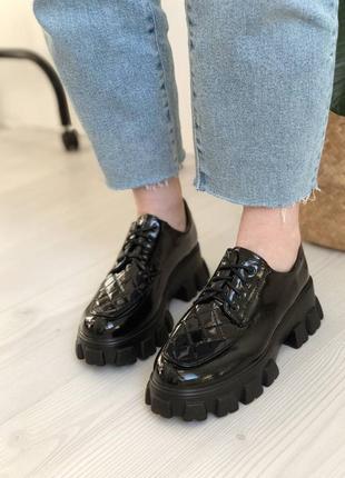 Чорні туфлі на платформі, броги, лофери, туфли на массивной подошве2 фото