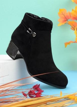 Женские ботинки на каблуке1 фото