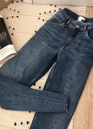 Актуальные джинсы со стрелками премиум коллекции h&m