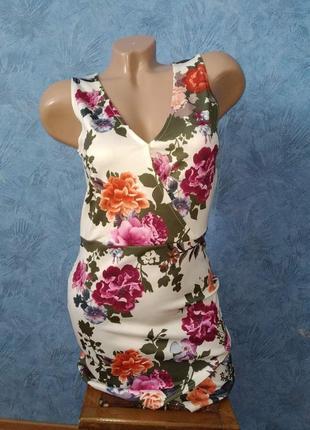 Нежнейшее платье миди асиметрия с цветами на запах