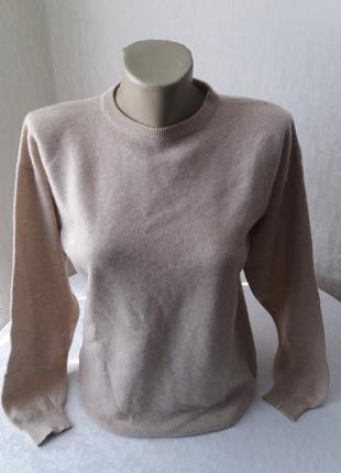 Кашемировый свитер.