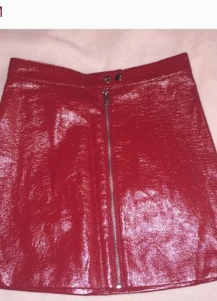 Юбка мини h&m лаковая красная