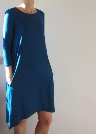 Синее платье свободного кроя