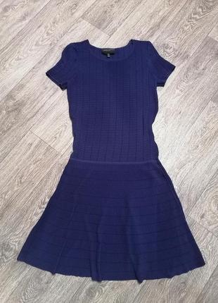 Платье с коротким рукавом и заниженной талией