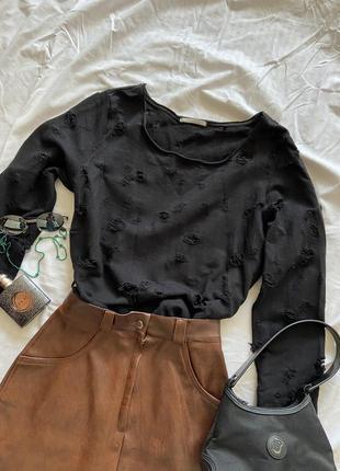 Трендовый рваный свитер