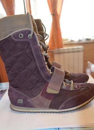 Продам комбинированные ботинки skechers