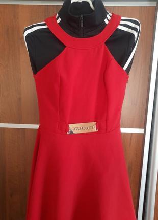 Червона сукня4 фото