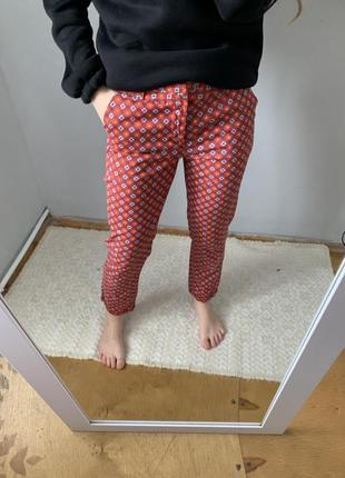Супер брюки в цікавий принт