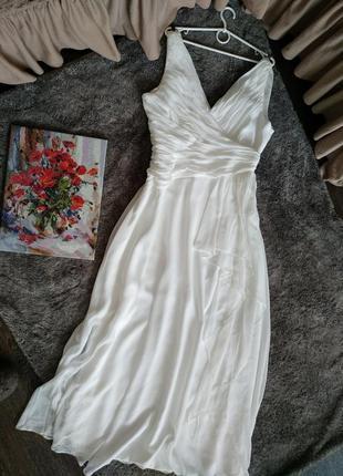 Нежное красивое платье цвет айвори