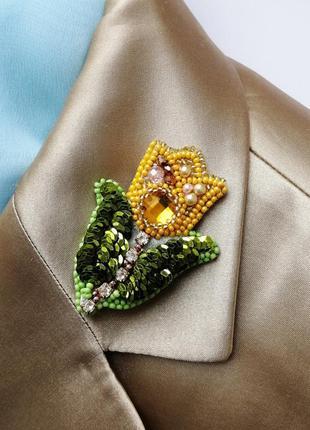 Брошь желтый тюльпан ручной работы